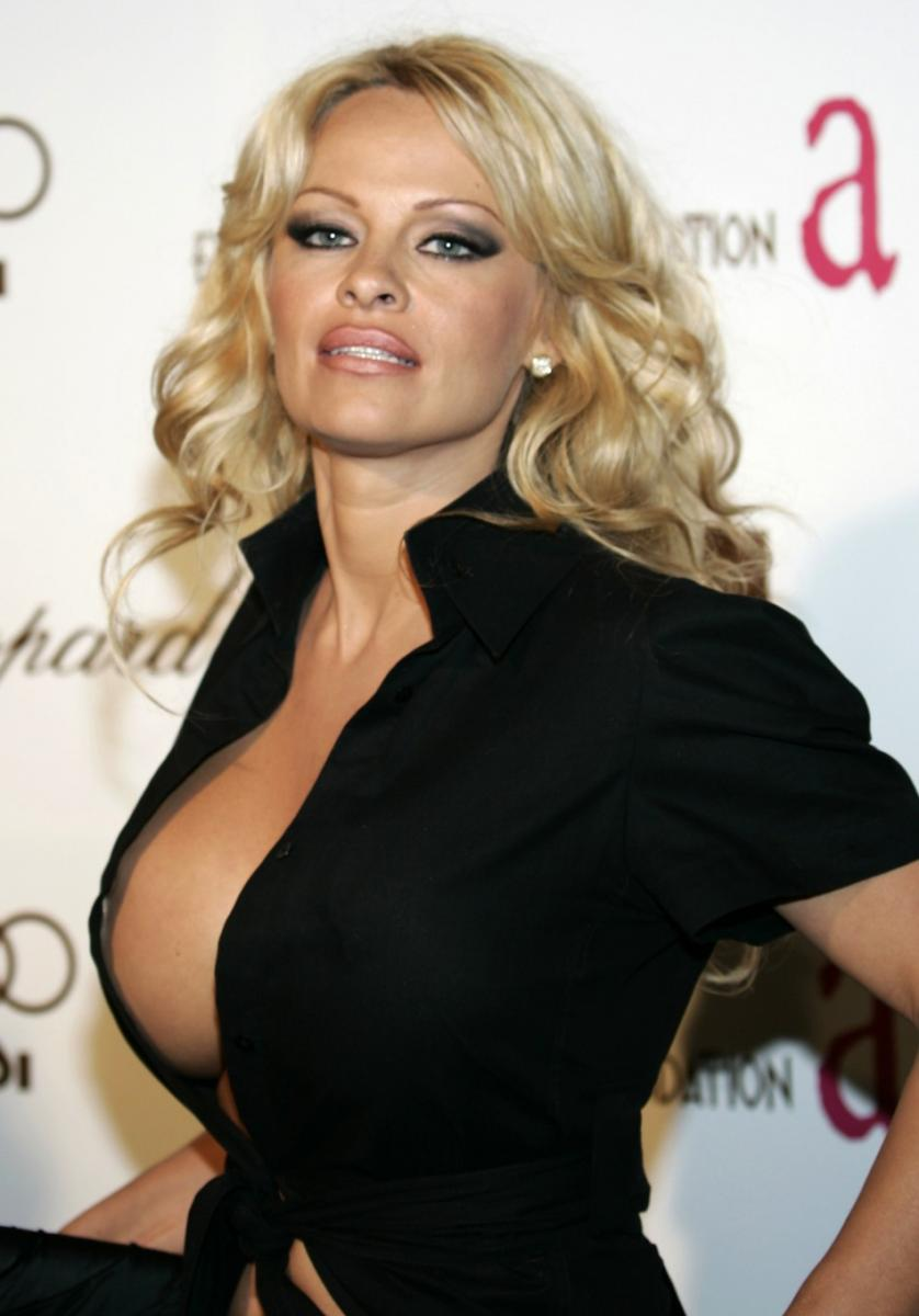 Former Playboy Playmate Pamela Anderson To Play Virgin Mary-6548