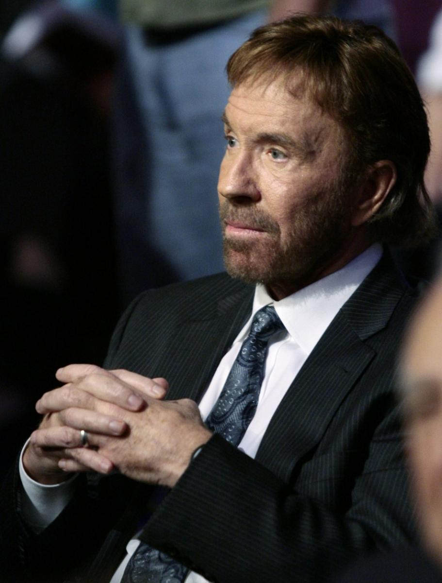 Chuck Norris Tebow Ode...
