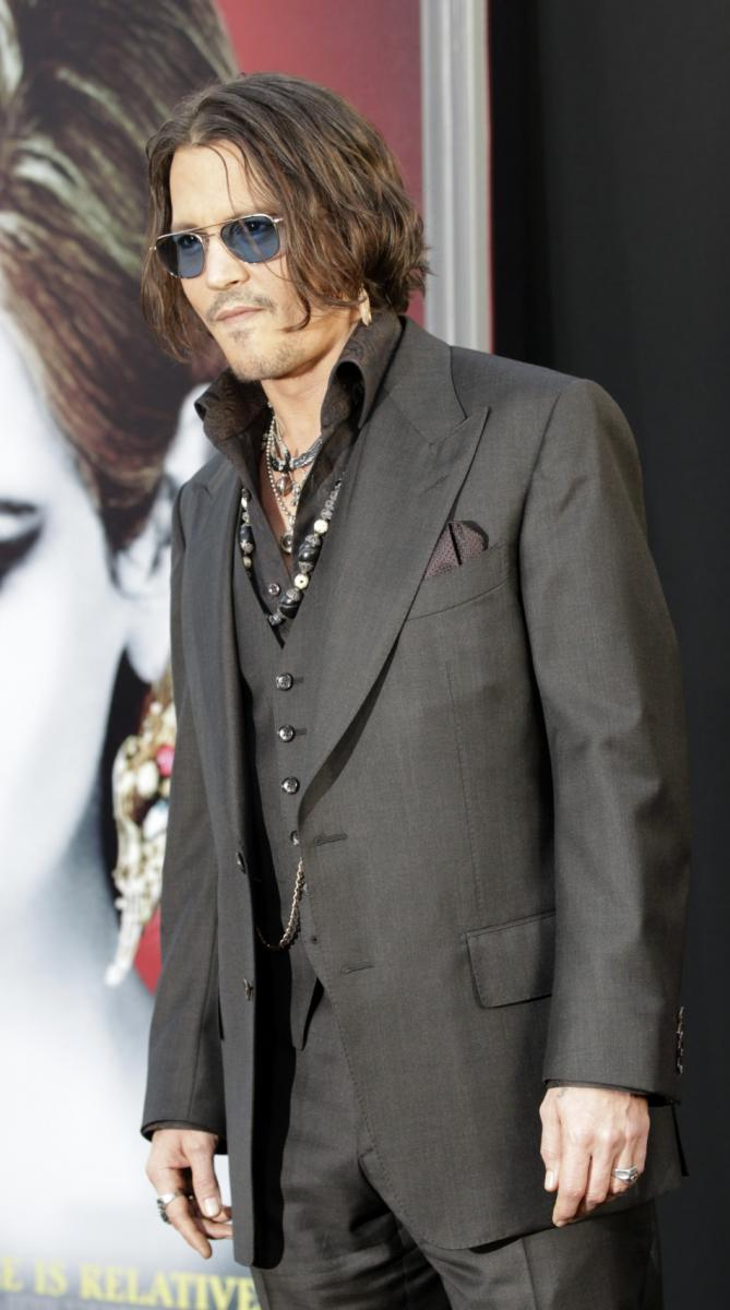 Johnny Depp And Dark Shadows Cast Hit The Red Carpet For