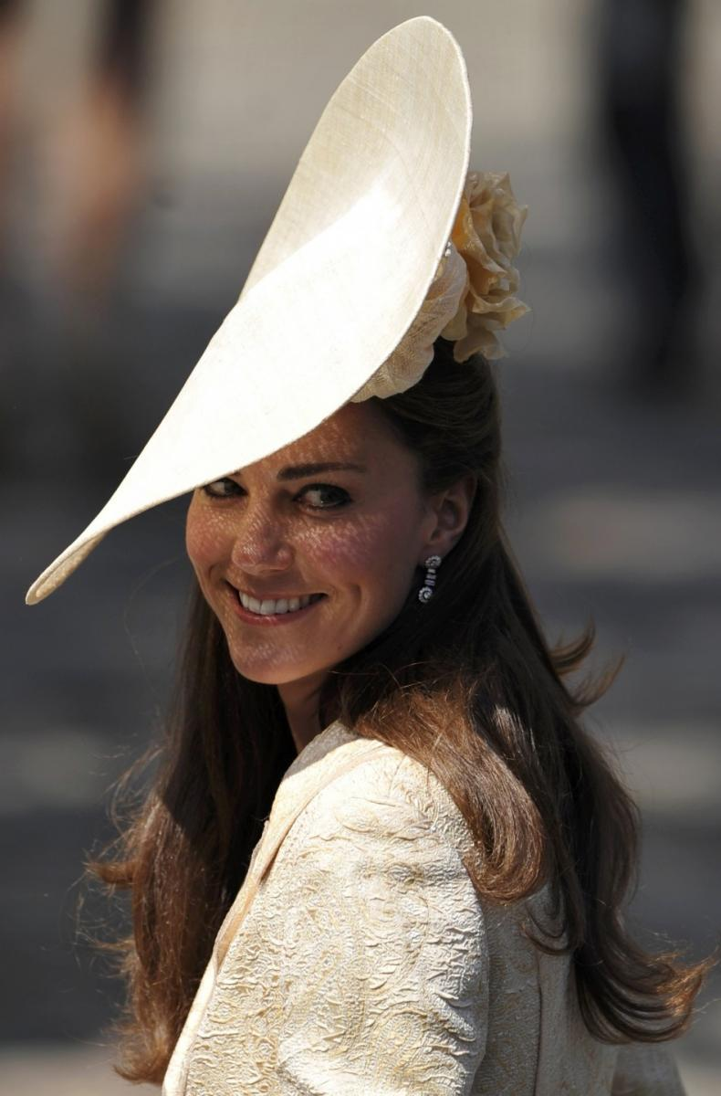Spectacular Glimpses: Royal Wedding Hats at Zara-Mike ...