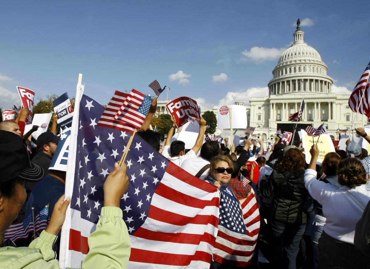 Immigration Reform: AFL-CIO, US Chamber Of Commerce Come To A Meeting Of The Minds On Guest Workers