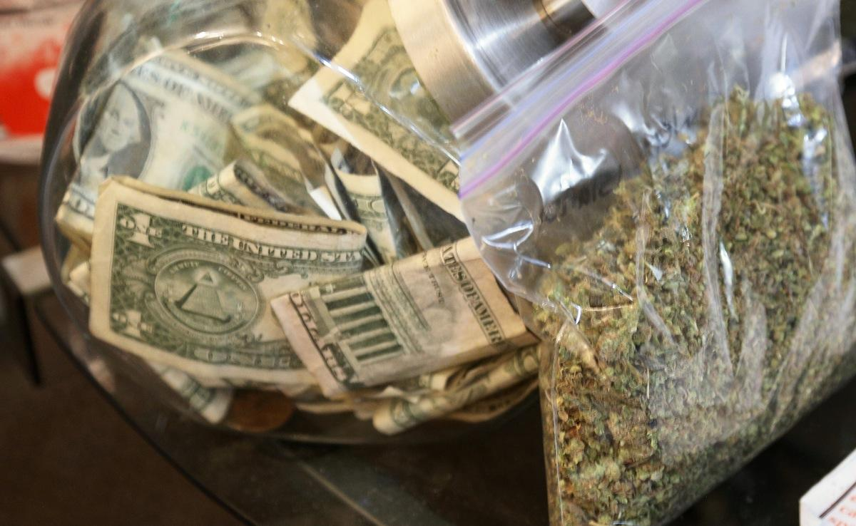 Federal Government Tells Banks They Can Work With Marijuana Businesses, So Long As They Report