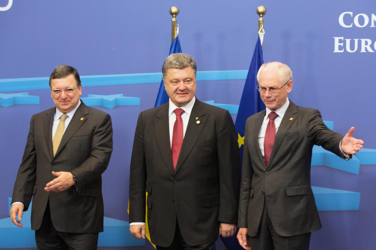 Ukraine Signs Trade Agreement With Eu Draws Russian Threat