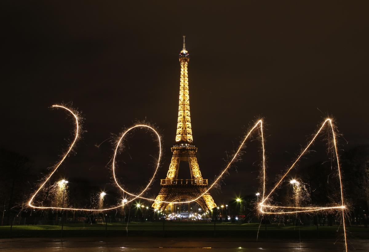 New Year's Eve Party Ideas: Host A Last-Minute, Cheap ...