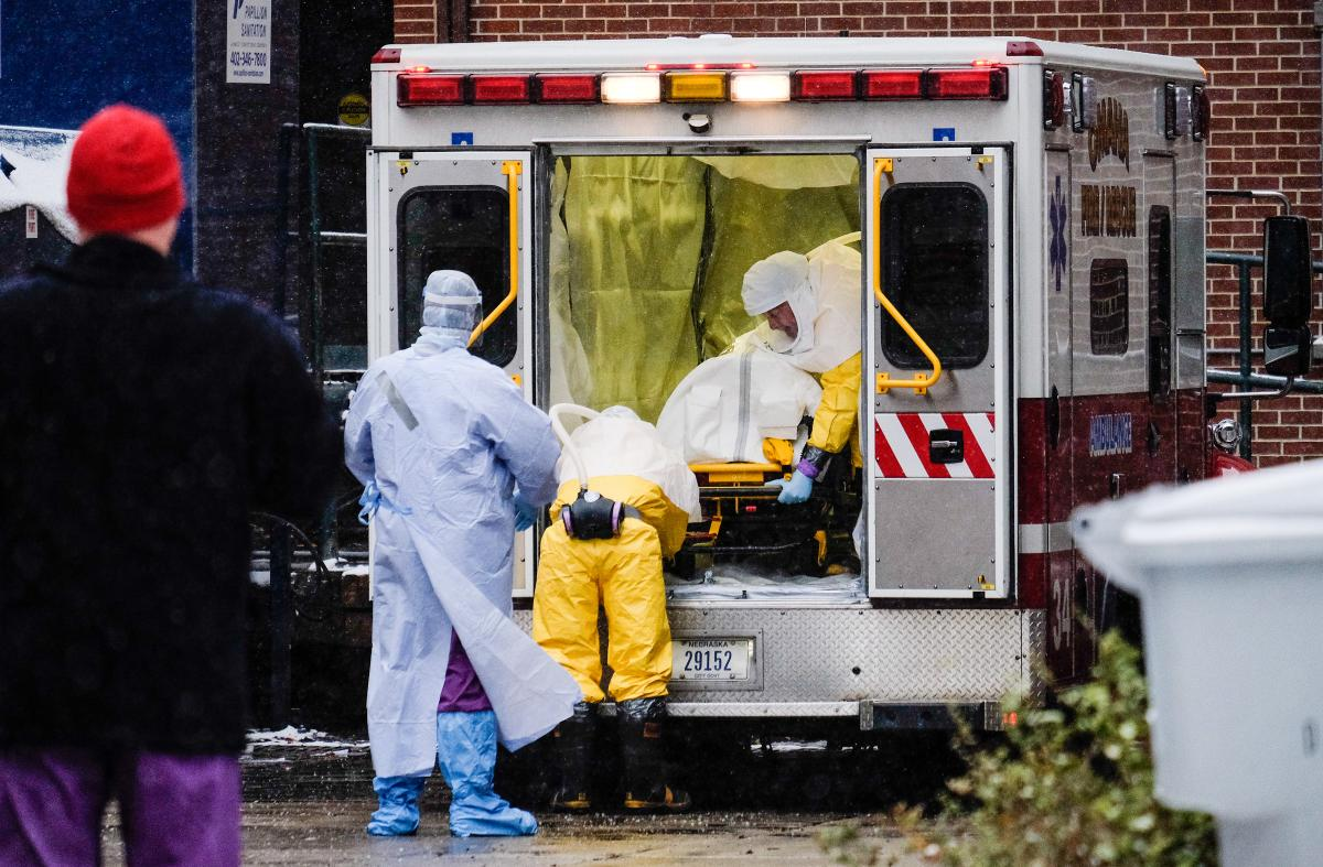 Ebola 2015: US Health Care Worker, Possibly Exposed To Virus In Sierra Leone, Due In Omaha Hospital For Observation