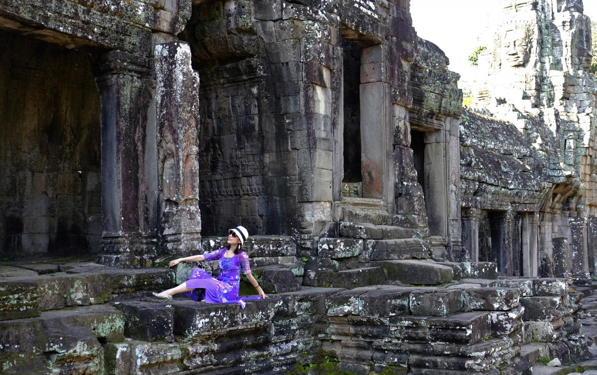 Two American Tourists Arrested For Taking Nude Photos At Cambodias Angkor Wat-4493