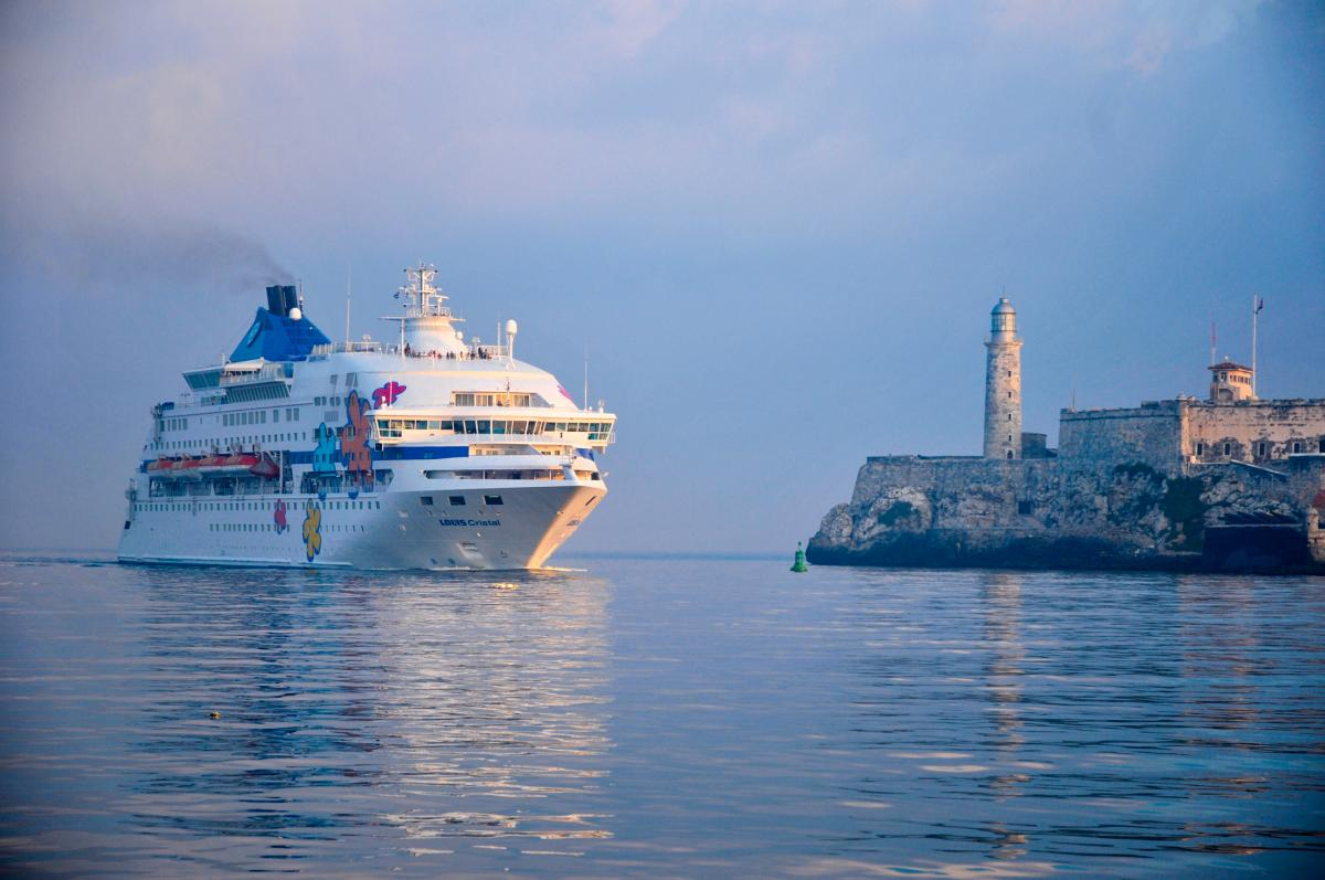 American Citizens, Travel Agents Can Now Legally Book Cuban Cruises