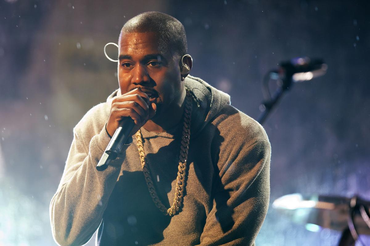 Kanye West's New Album Is Called 'So Help Me God,' Twitter Reacts To Religious Symbol Posted By Rapper