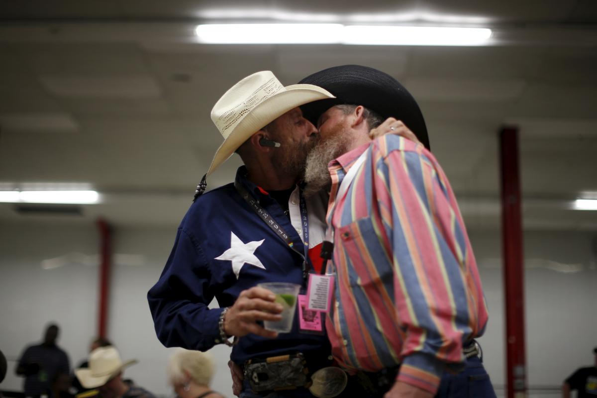 Homosexual marriage in texas
