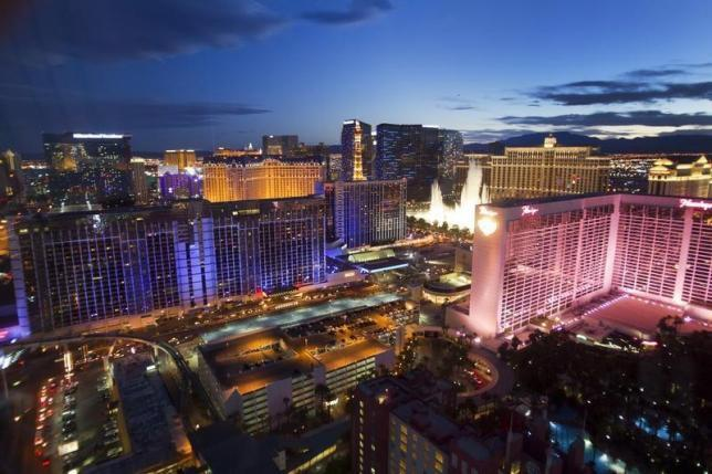 Las Vegas Tries To Lure Tourists After Canceling New Year S Eve Fireworks Show