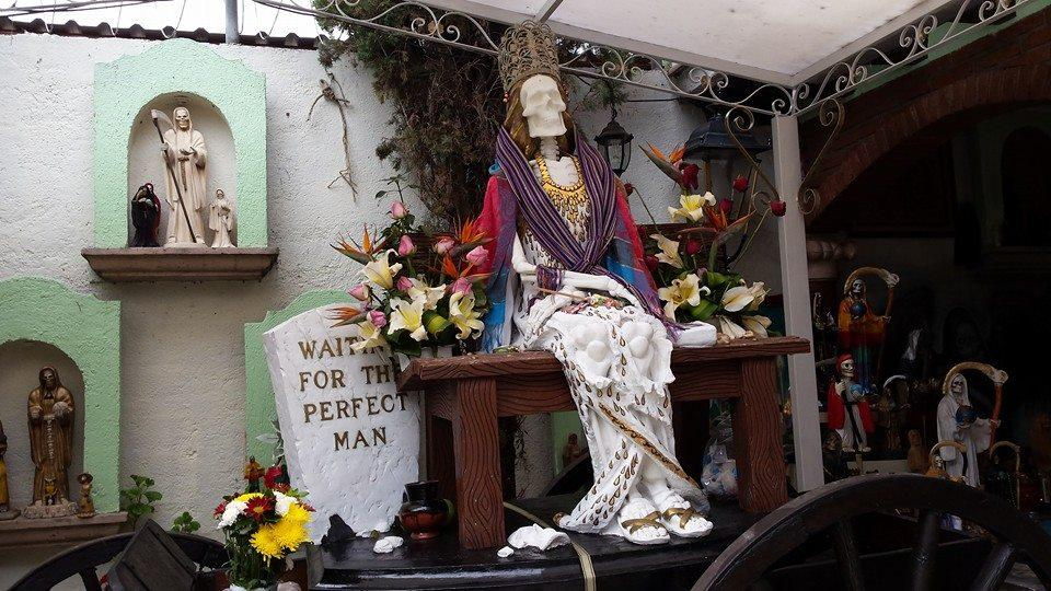 Day Of The Dead 2015: Santa Muerte Worshippers Prepare