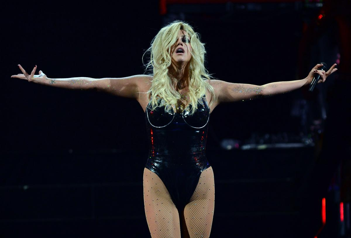 Kesha Sony Lawsuit: Amid Dr. Luke Abuse Allegations, Pop Star Appeals To Judge's Conscience