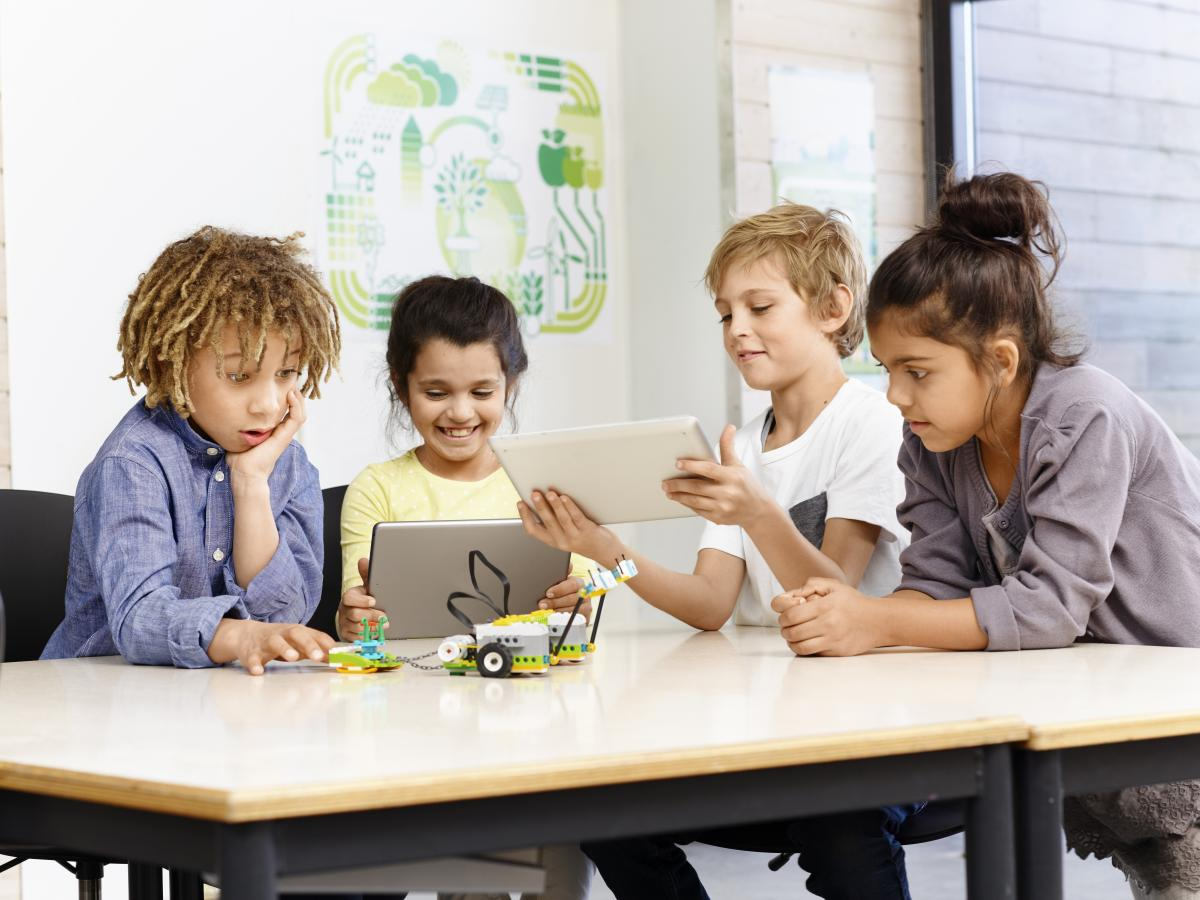Lego Uses Bricks To Teach Kids To Code With WeDo 2.0 For Teachers, Schools [VIDEO]