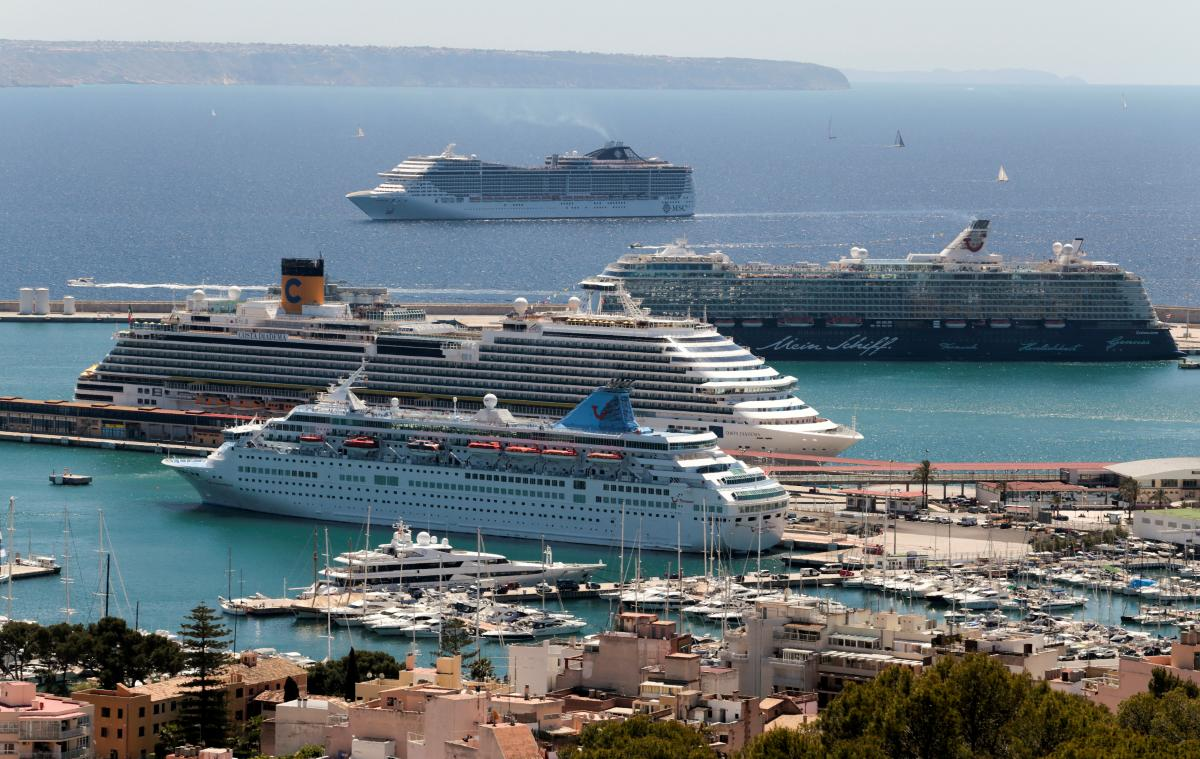 Cruise Ship Pollution Cruise Sewage And Air Pollution A Rising - Cruise ship sewage