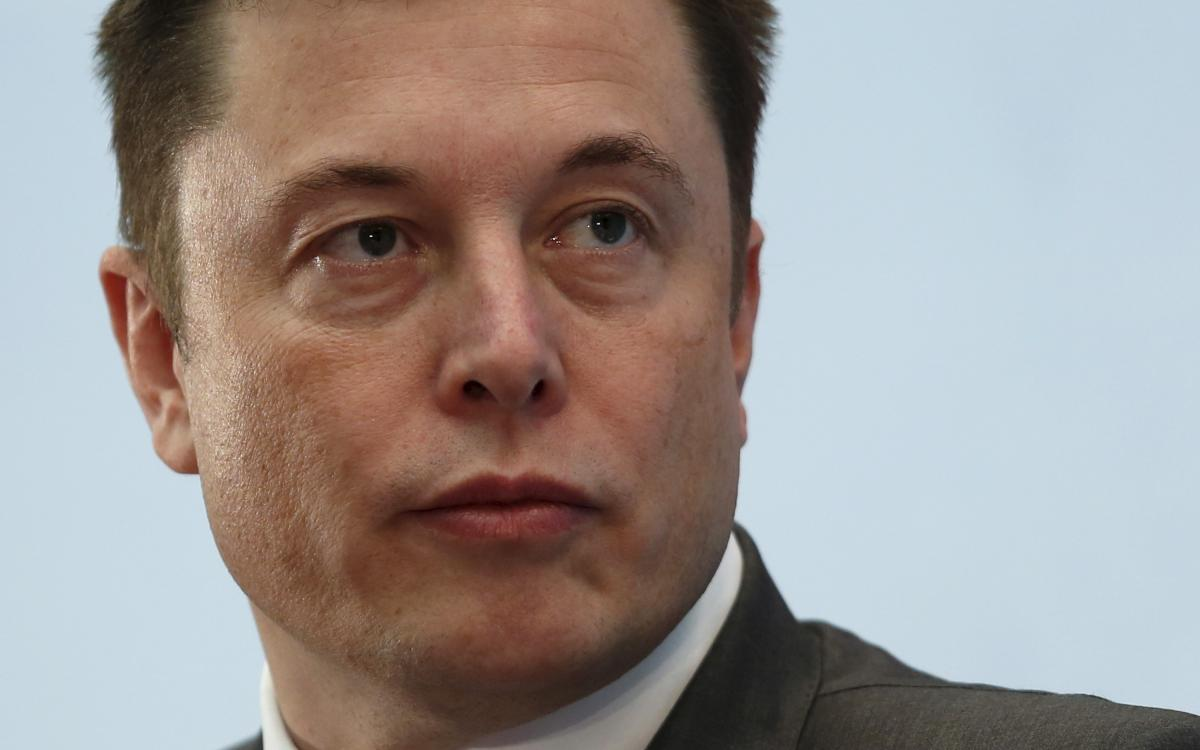 Tesla's Elon Musk Suggested Implementing A Tax On Carbon Emissions To Trump, It Didn't Go So Well