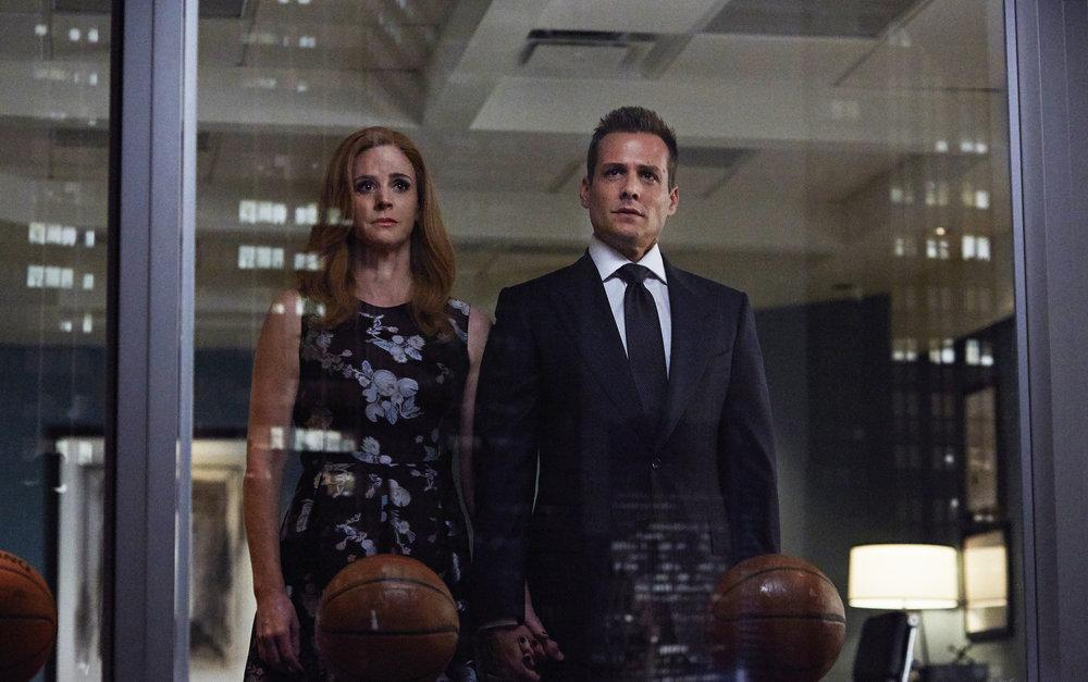 suits season 6 spoilers what does episode 10 s handholding between harvey and donna mean suits season 6 spoilers what does