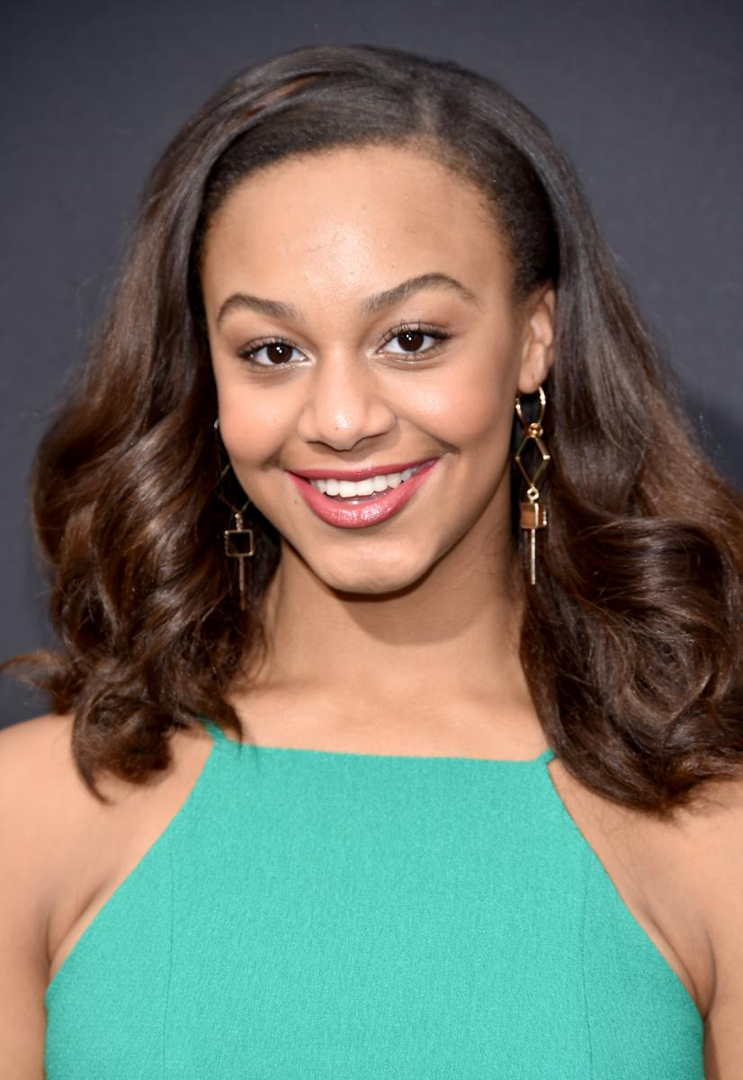 Nia Sioux Leaving Dance Moms Holly Frazier Threatens To