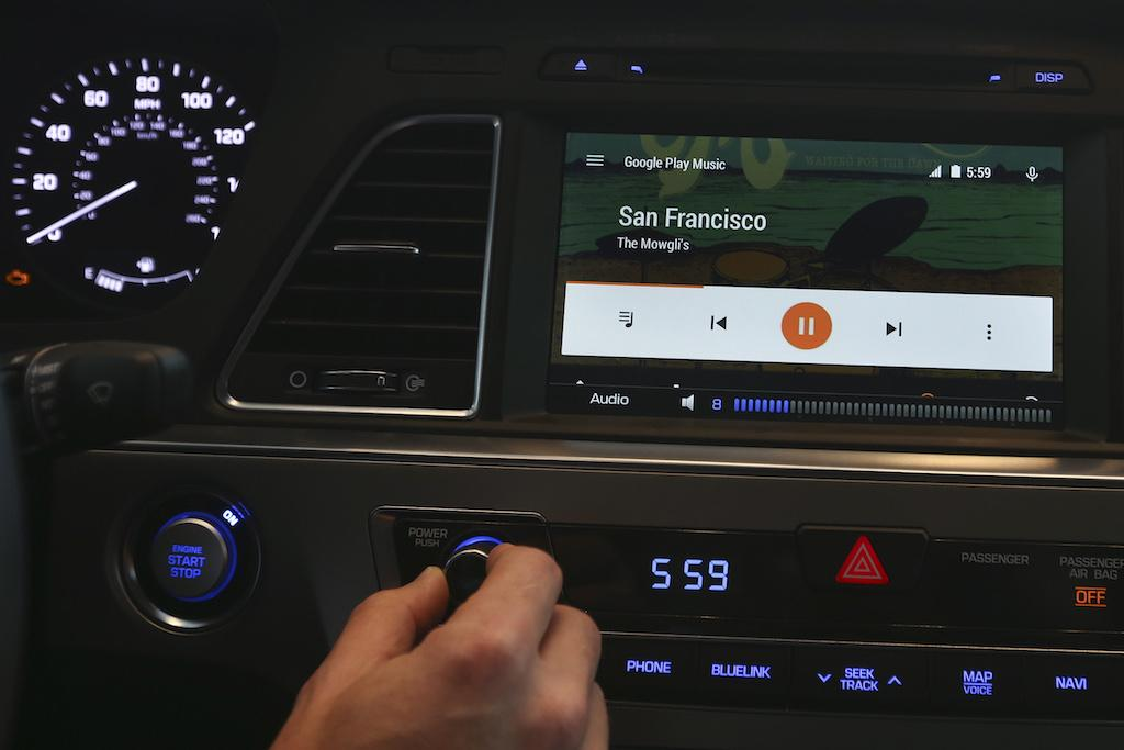 Google Updates Android Auto To Work On Smartphones, Any Car