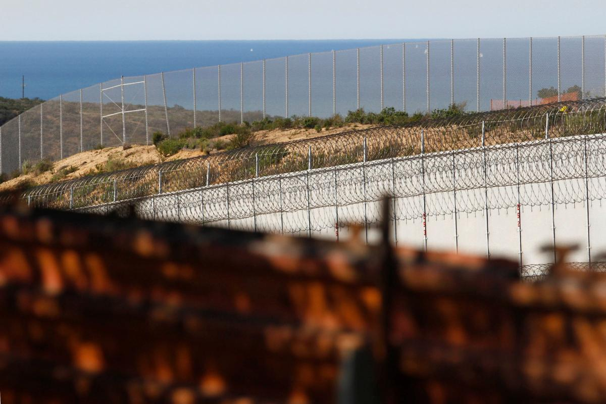 Trump Mexico Wall Latest Update: Israeli Envoy To Mexico Summoned Over Netanyahu's Tweet Lauding President Donald Trump's Wall