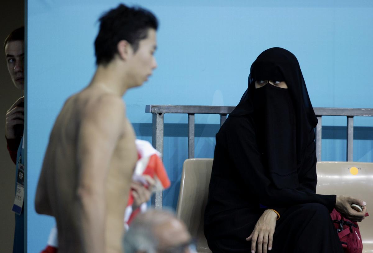 Islam in europe denmark city pool used by muslims bans - Female only swimming pool melbourne ...