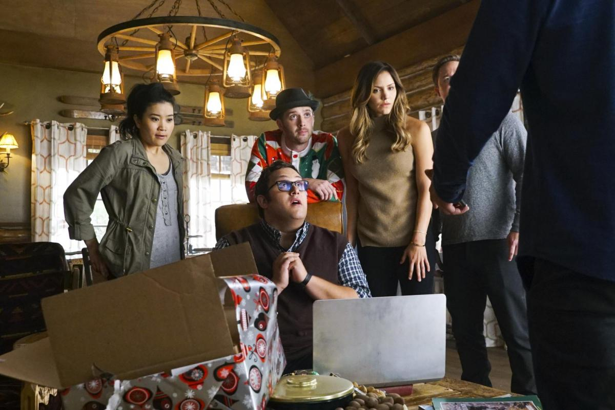 scorpion renewed for season 4 how many episodes will cbs series have. Black Bedroom Furniture Sets. Home Design Ideas