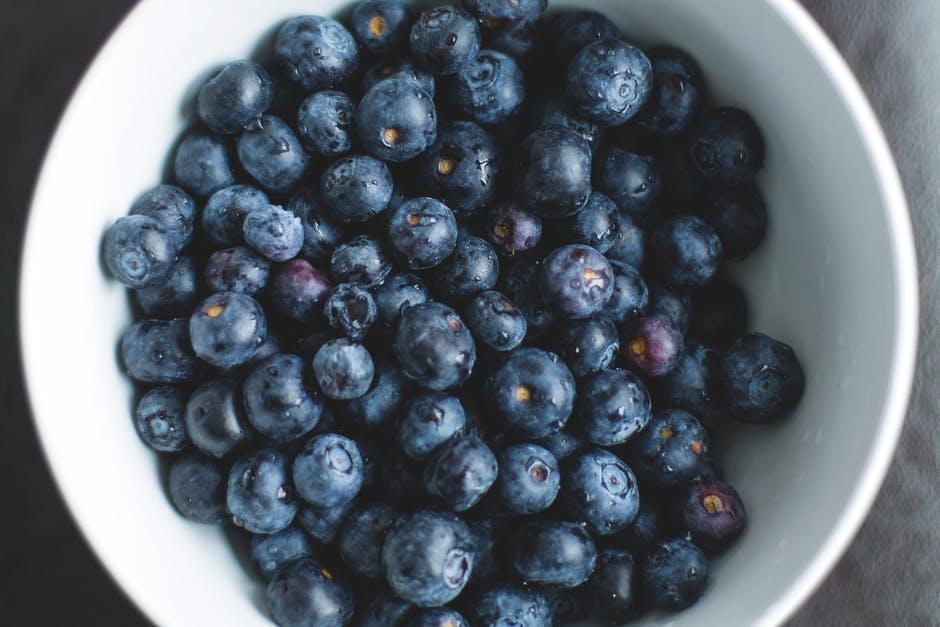 7 Nutrients That Keep Your Brain Young, According To Science