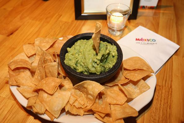 How To Make The Best Guacamole At Home With This Easy Cinco De Mayo Recipe