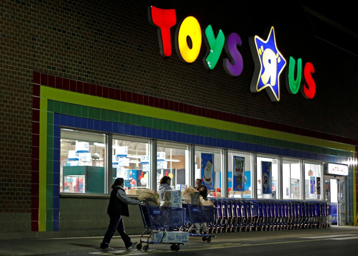 Who Killed Toys R Us? The Internet Has Some Ideas