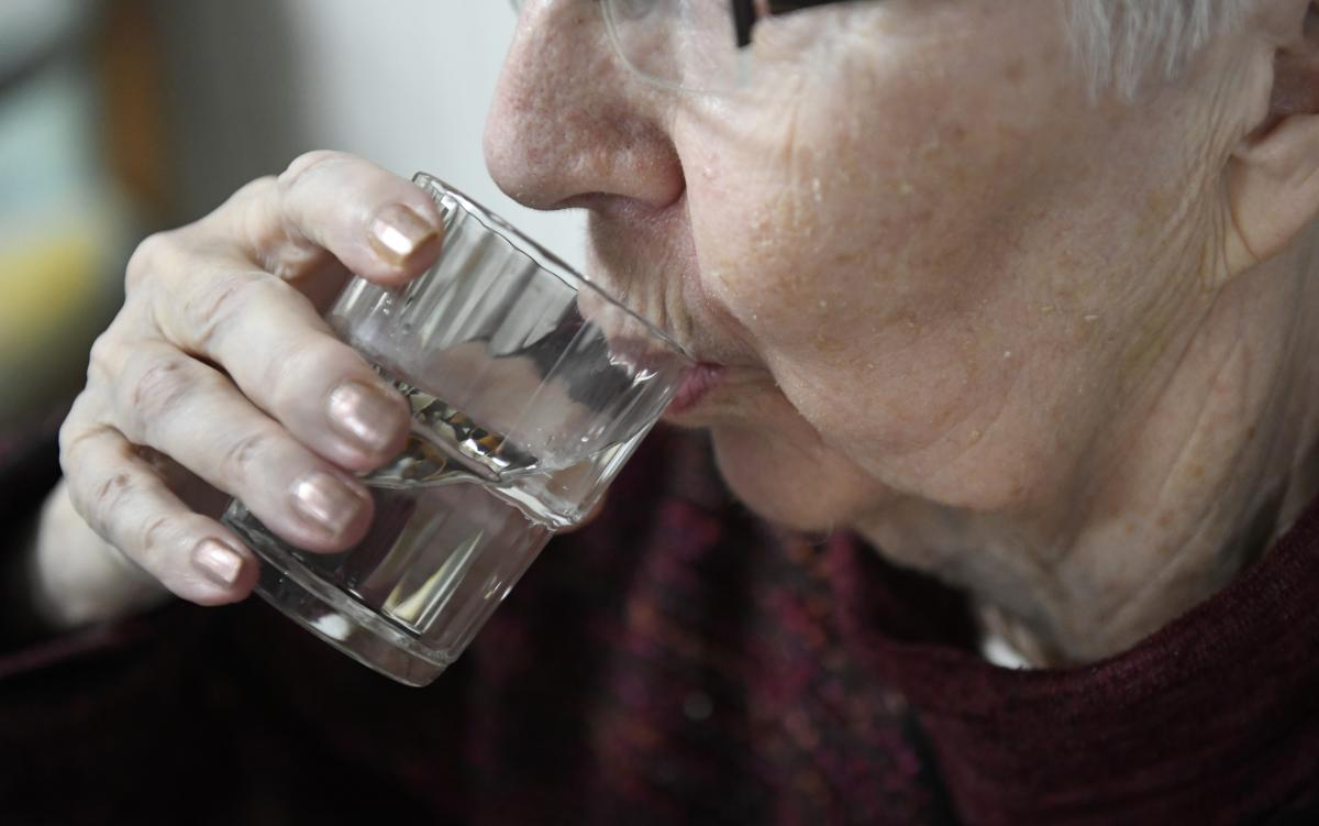 Health Benefits Of Warm Water: 6 Ways Drinking Warm Water Can Heal Your Body