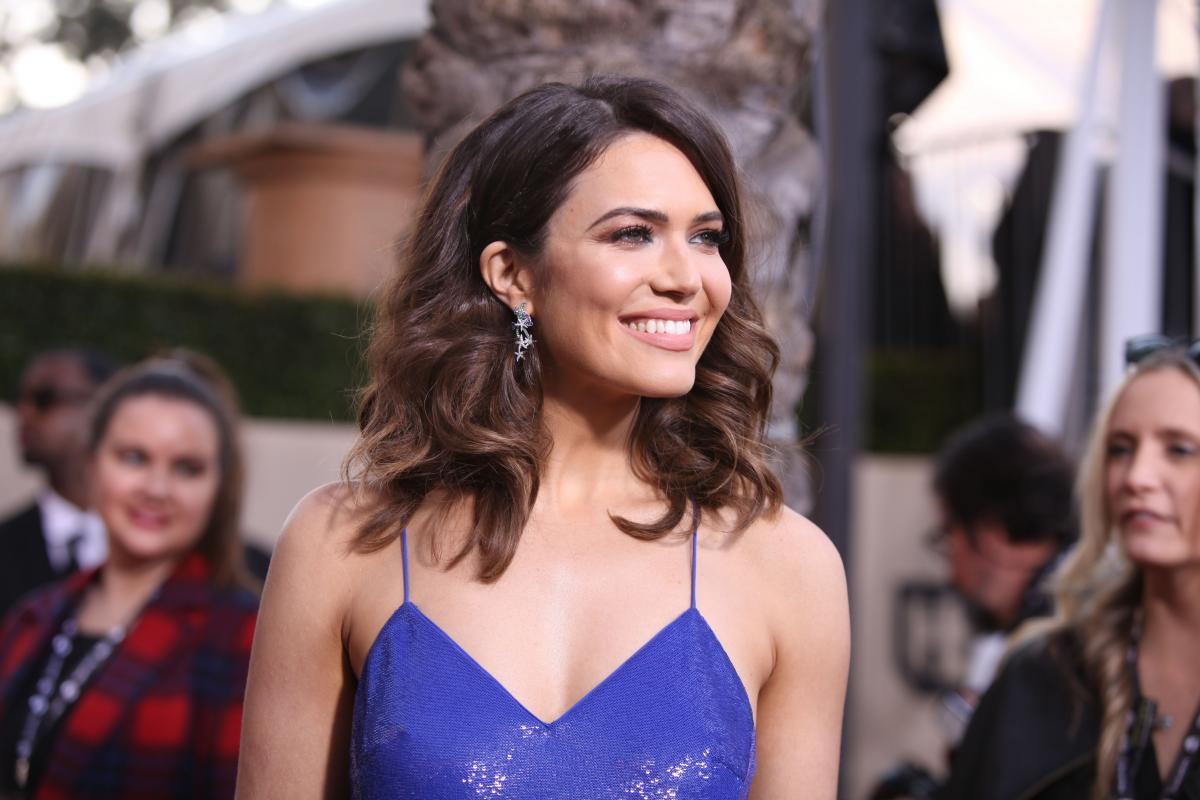 Mandy Moore `Curious` To Know Why Ryan Adams...