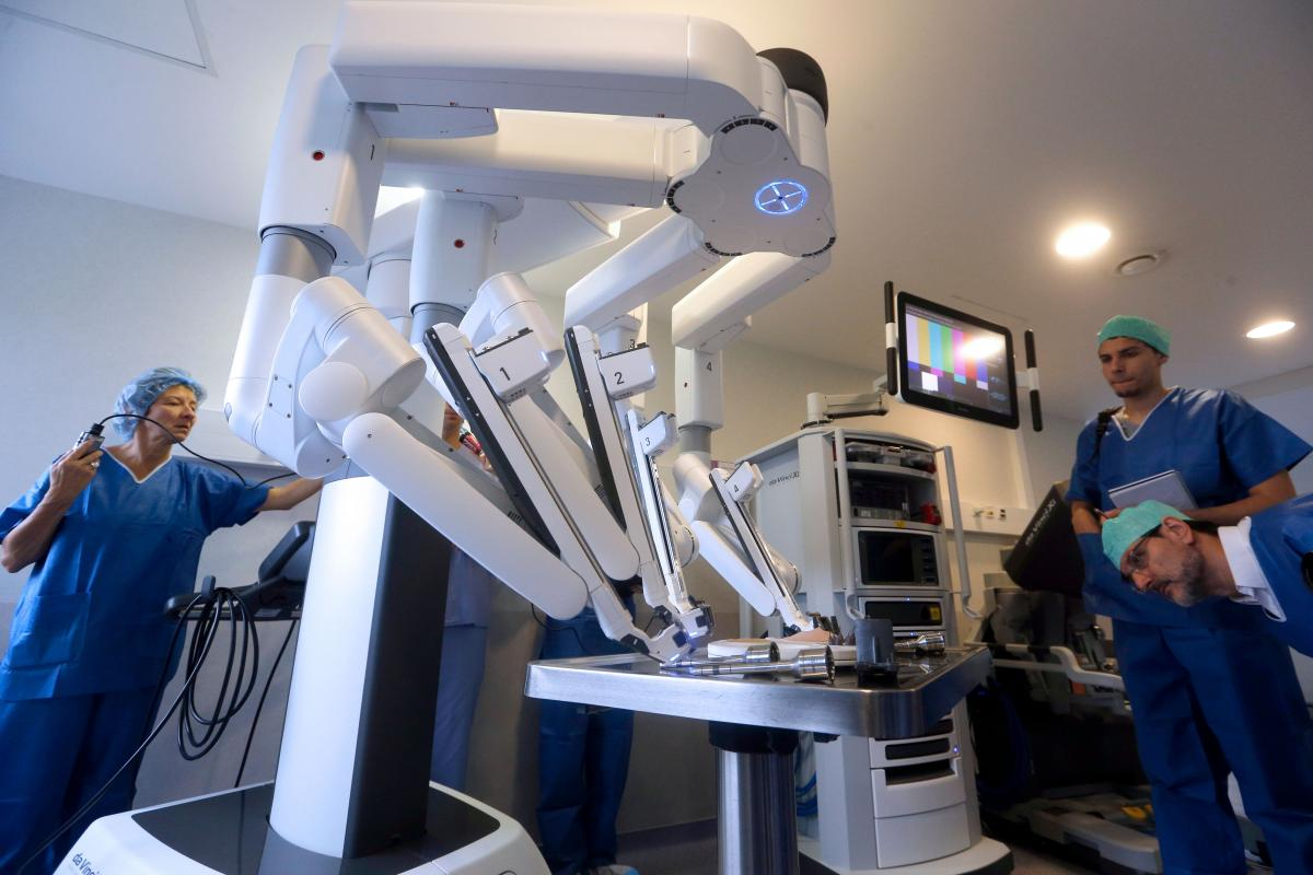 Da Vinci Xi >> 6-Year-Old Girl's Tumor Removed By Robot Technology First Time In Australia