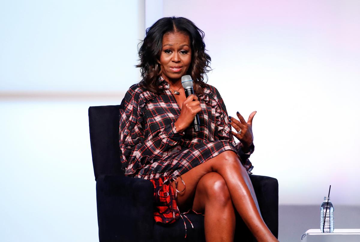 Michelle Obama Criticized For Recruiting Selena Gomez, Tom Hanks, Other Celebs For 'Voting Squad' - International Business Times