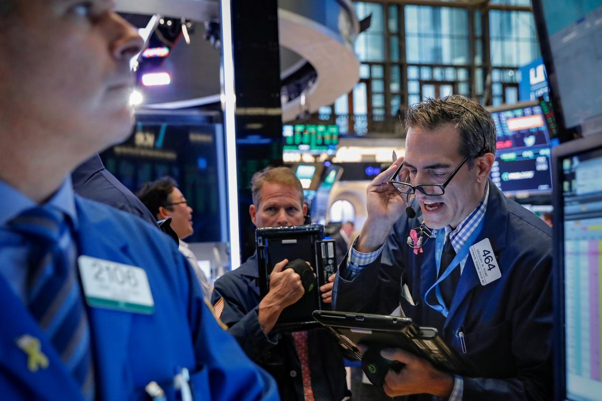 stock market today  wall street extends rally  tech leads