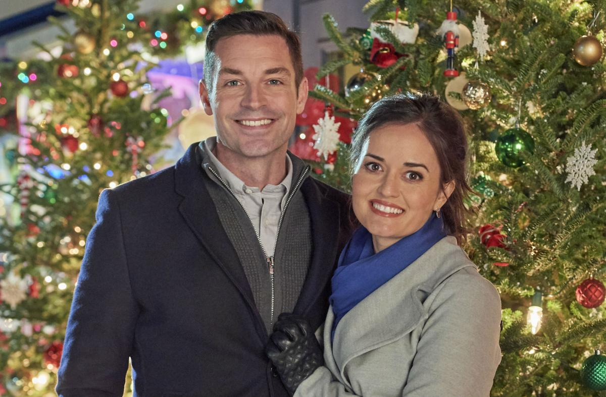 'Christmas At Grand Valley' Hallmark Movie Premiere: See Cast, Trailer, Air Date