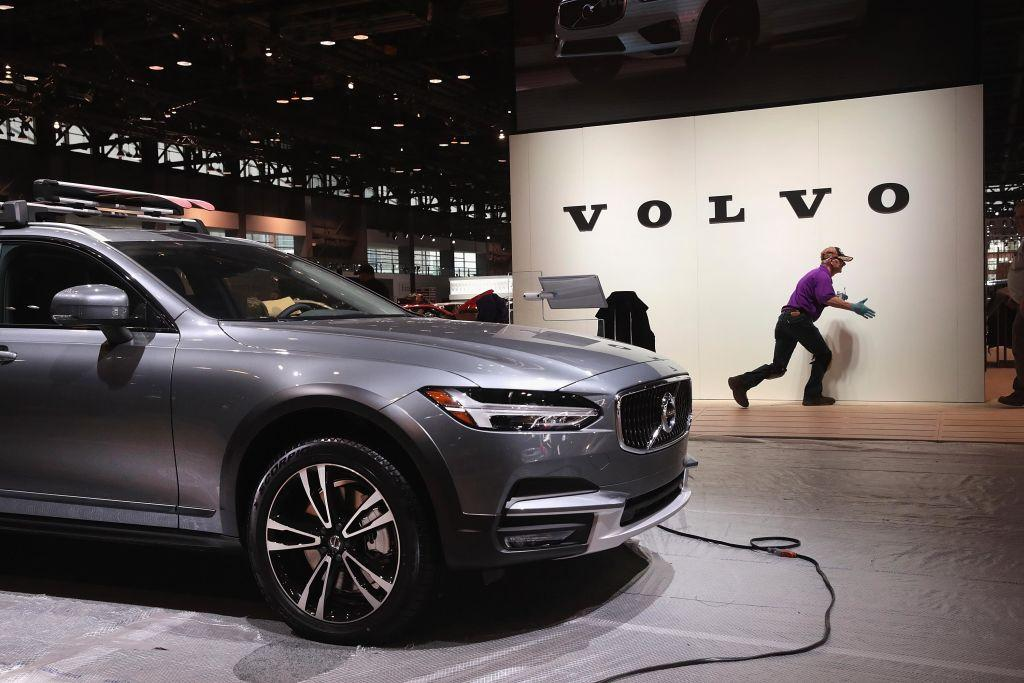 volvo will limit its car speed to 112mph for safety