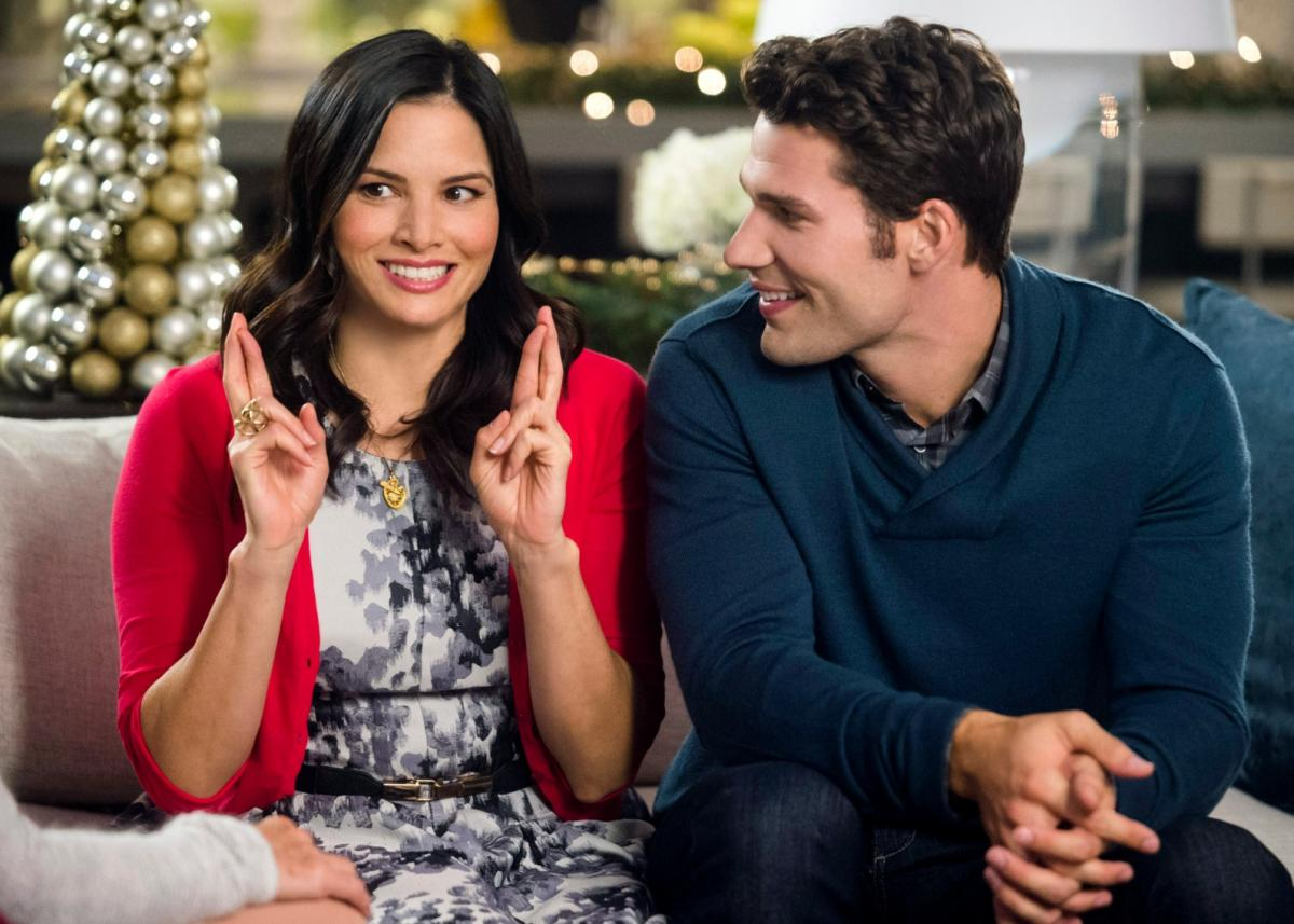 Christmas In July Hallmark.Hallmark Christmas In July 2019 Keepsake Week Tv Listings
