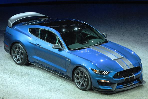 Ford Launches 2020 Mustang Shelby Gt350r Inspired By Gt500