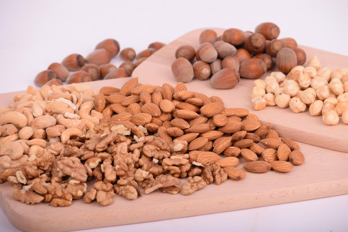 5 Reasons Why You Should Grab A Handful Of Nuts Everyday