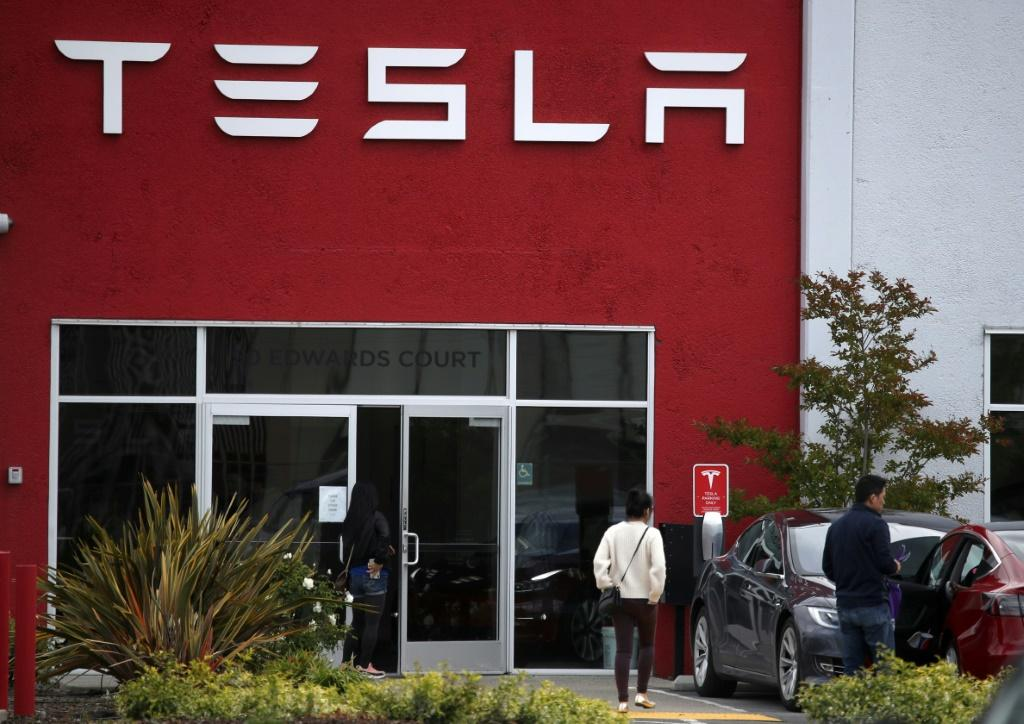 Tesla 'Will Lose 80% Of Its Value', NYU Professor Reveals Why