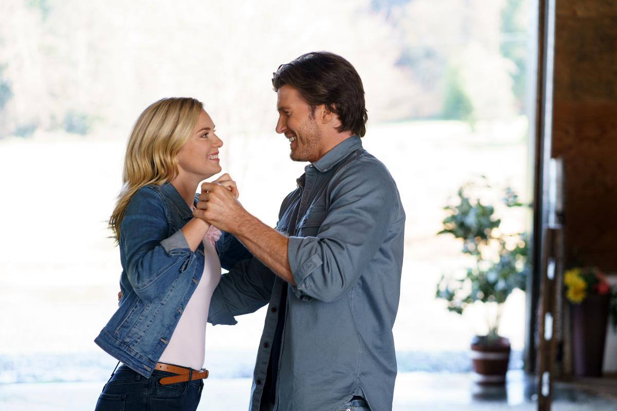 'Love In The Forecast' Hallmark Channel Movie Premiere: Cast, Trailer, Synopsis