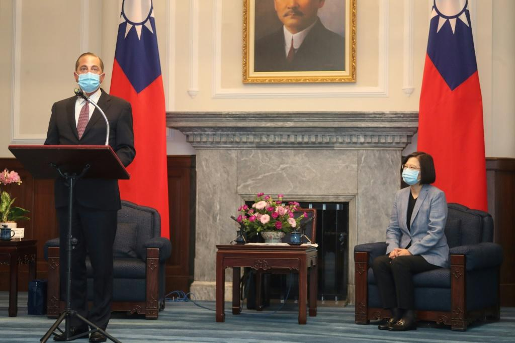 US Cabinet Member Lauds Taiwan`s Democracy During Historic...