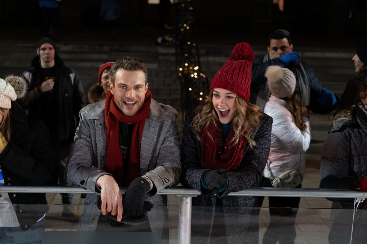 'Christmas On Ice' Lifetime Movie Premiere: Cast, Trailer, Synopsis