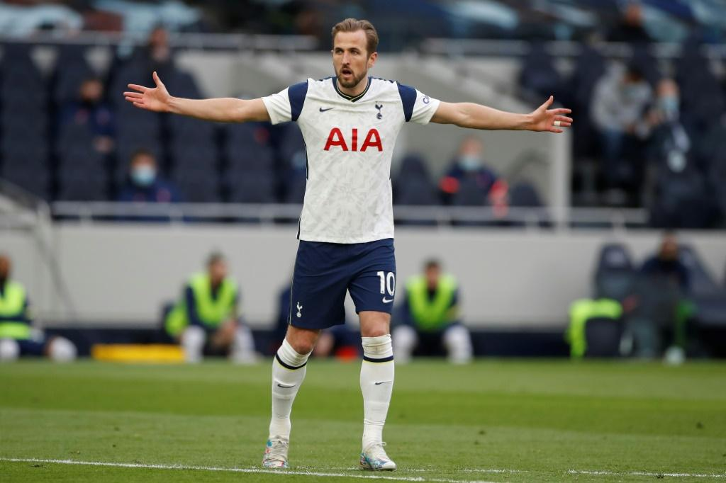 Manchester United Willing To Offer Spurs 2 First Team Players To Sign Harry Kane Report