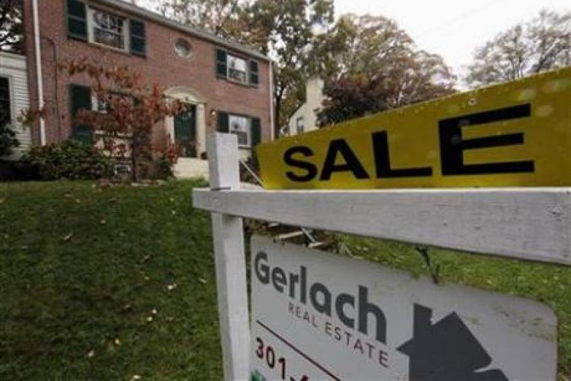 Pending home sales slump, factory orders up