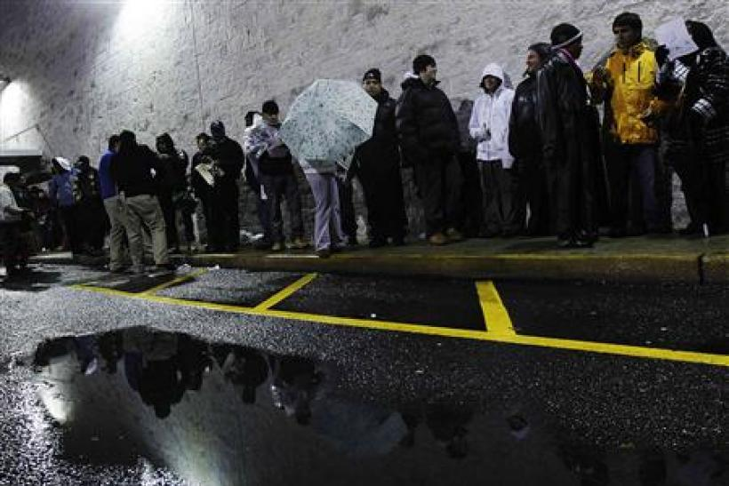 Shoppers line up for Black Friday sales outside the Best Buy electronics store in Westbury, New York