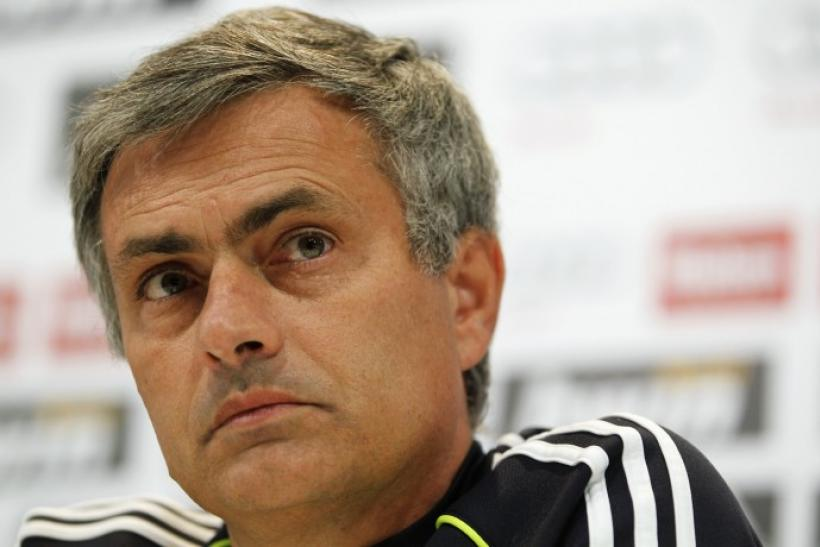 Real Madrid's coach Mourinho attends a news conference at the Valdebebas training grounds outside Madrid on 28/11/2010.