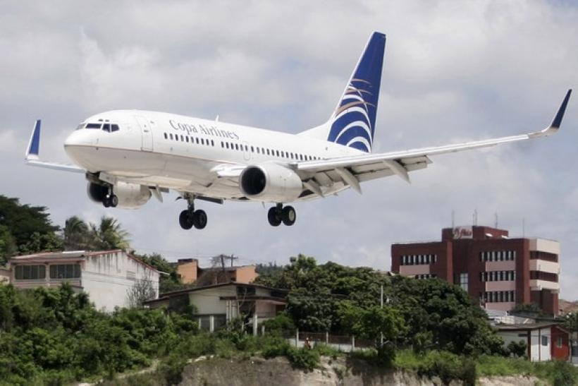 A Copa Airlines plane prepares to land at Toncontin airport in Tegucigalpa July 16, 2008.