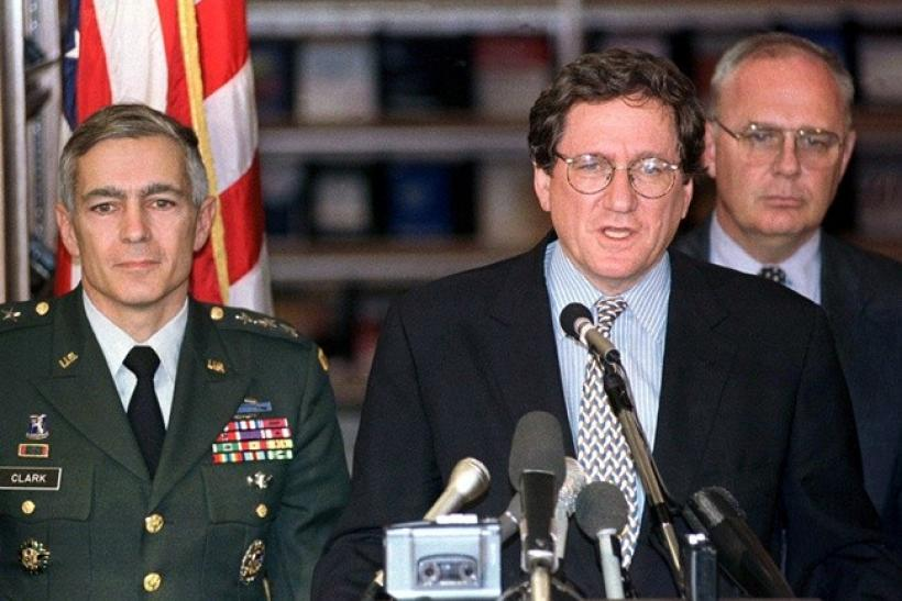U.S. peace envoy Richard Holbrooke, accompanied by General Wesley Clark (L), announces the ceasefire agreement for Bosnia at the US embassy in Zagreb in this October 5, 1995 file photo. Holbrooke, who was President Barack Obama's special envoy to Afghanis