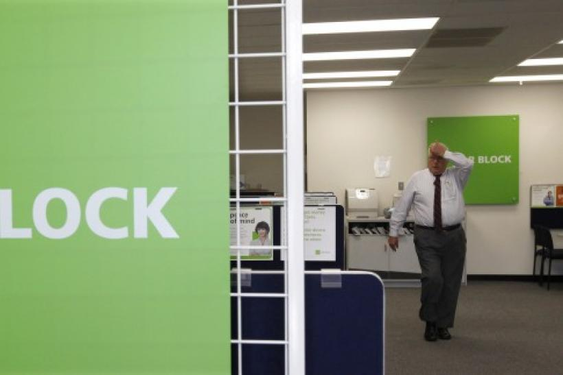 H&R Block shares plunging after HSBC ends tax-refund pact