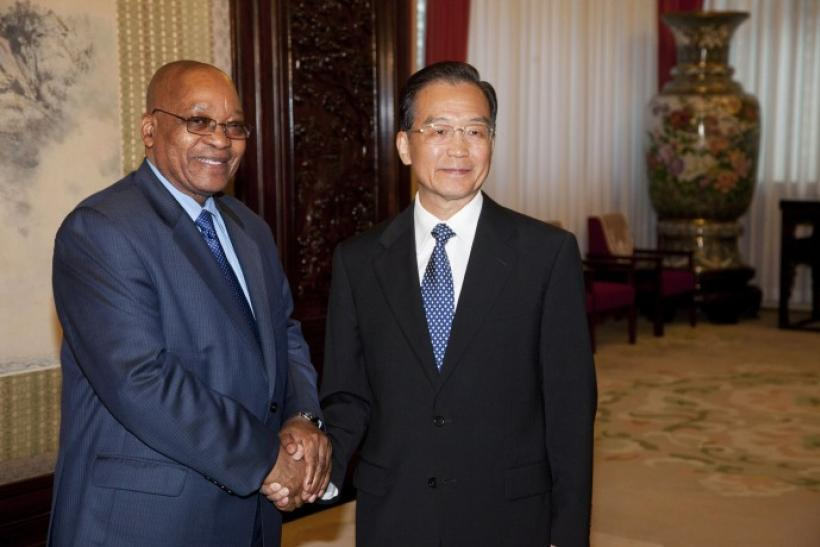 South African President Jacob Zuma shakes hands with Chinese Premier Wen Jiabao at the Zhongnanhai Leaders' Compound in Beijing